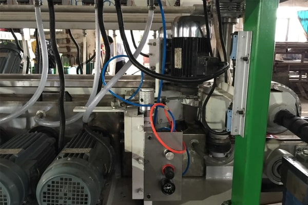 Automatic Safety Corner Edging Function of Double Edging Machine